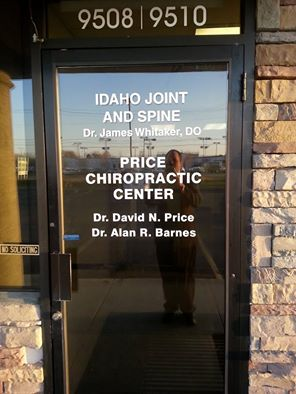 Idaho Joint and Spine Front Door Sign